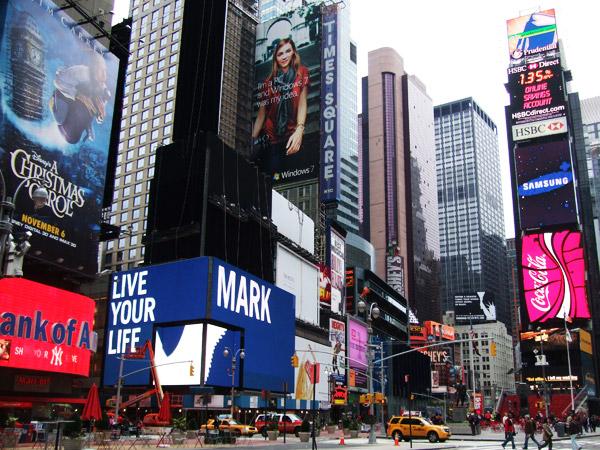 ニューヨーク タイムズスクエア  ニューヨークの顔 タイムズスクエア 突如行ってきましたアメリカ